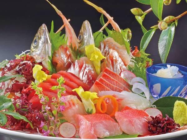 【創作料理プラン/例】地元漁港から仕入れる新鮮な海の幸を使用