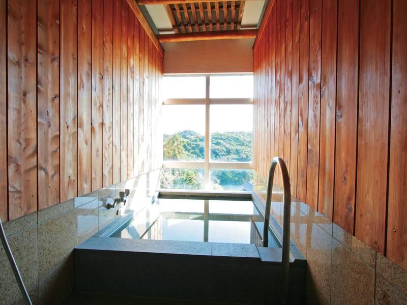 【貸切風呂】ゆったりとプライベートな湯あみを楽しめる