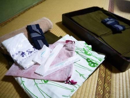 【アメニティ】お部屋には浴衣・カミソリ・歯ブラシ・タオル・シャワーキャップなどご用意しております。