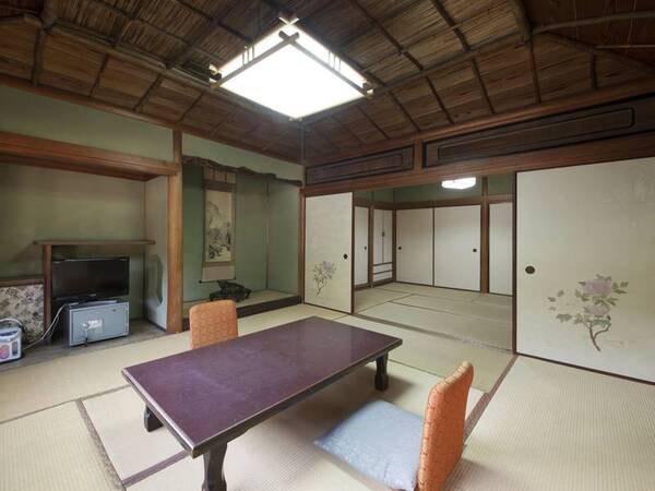 ほとんどのお部屋に踏み込みがあるため、広めの作りの老舗の雰囲気が漂います