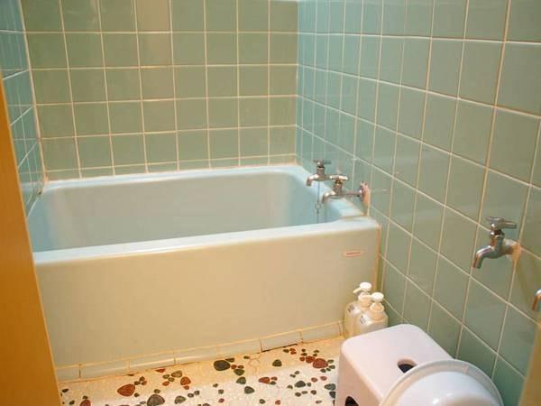 和室(バストイレ付)【別館】客室にあるお風呂の一例です