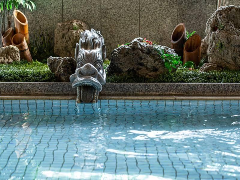 *【大浴場】:女性大浴場では、竜がお出迎えしております♪