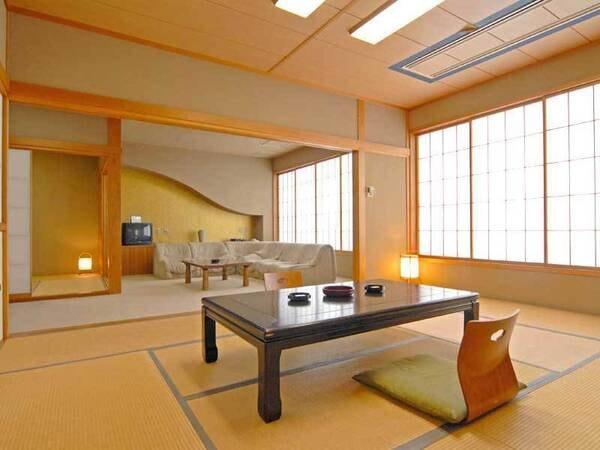 *和洋室/ご家族・グループにおすすめ。畳のお部屋+ソファでくつろげる洋室の2間続き。