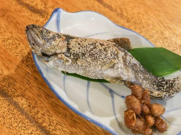 *[ご夕食一例/岩魚塩焼き]生簀で生かしている新鮮な川魚