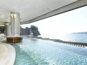 【大浴場大展望風呂「WAVE」】多々戸の白い砂浜と、美しく澄んだ海をモチーフにした大浴場
