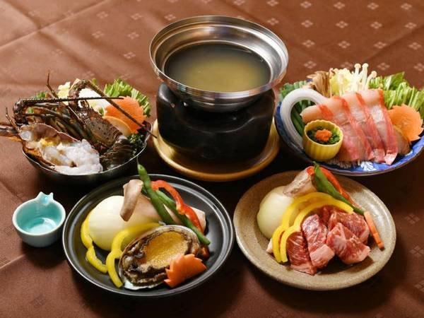 【選択料理/例】左から伊勢海老地味噌鍋/酒蒸し鮑臥龍梅焼/牛陶板焼/金目鯛しゃぶしゃぶ