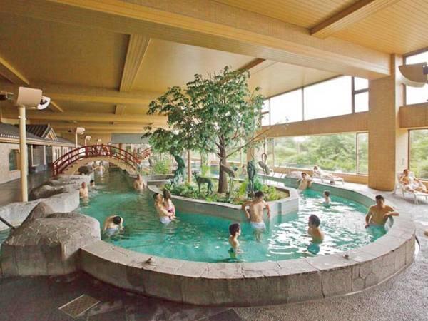 【龍宮城スパ・ホテル三日月 龍宮亭】都心から約60分!絶景温泉の大型リゾートホテル 。東京湾を一望するレストランで和洋中バイキング!