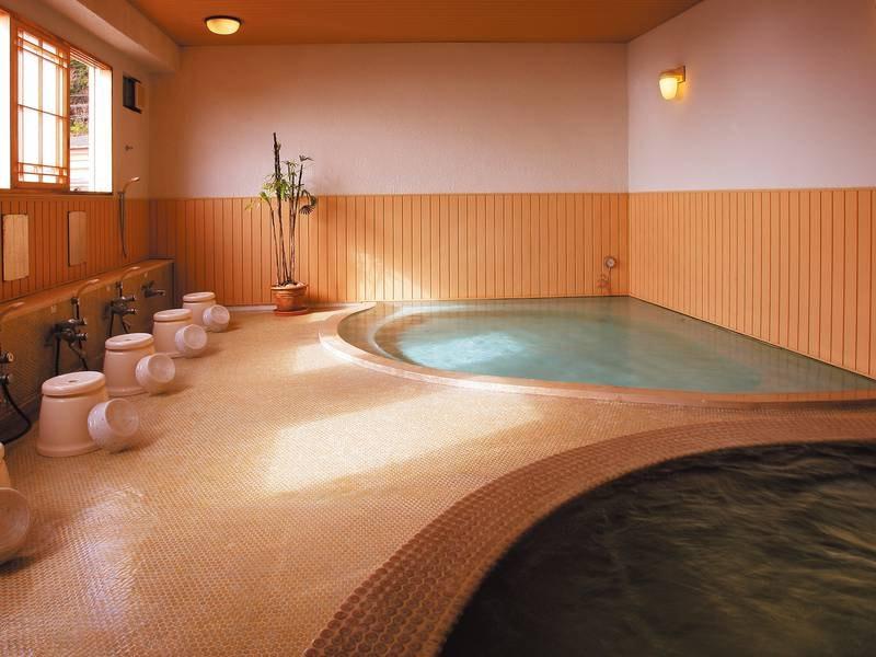 【大浴場/おとこ湯】 レトロ感のある和風の雰囲気