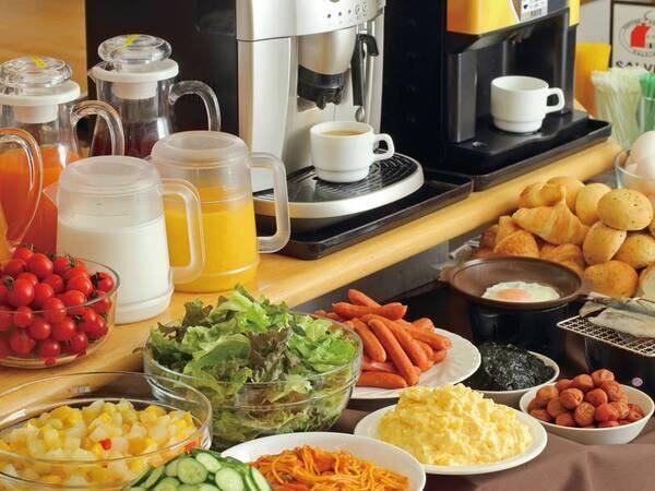 【一泊朝食付きプラン/例】充実したビュッフェで朝から満腹に!