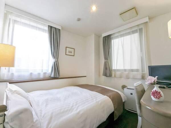セミダブル(禁煙)【客室/例】14㎡、ベッド幅120cm。世界でも評価の高いシモンズ社製ベッド導入