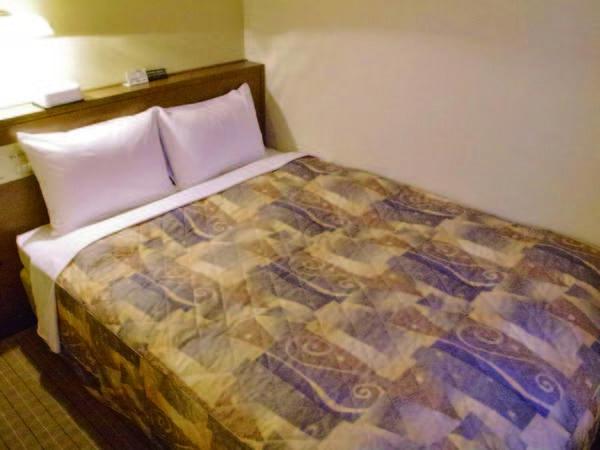 セミダブル 【客室/例】お得に泊まれる!13㎡、ベッド幅140㎝のお部屋をご用意