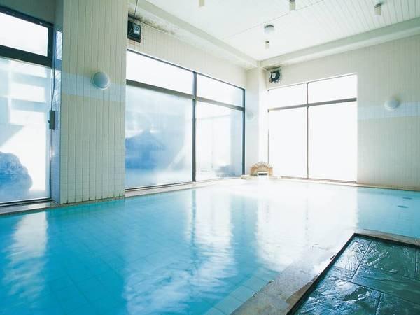 【ニュー天野屋】新宿から電車で約62分。美肌効果があるという自家源泉の湯が自慢。