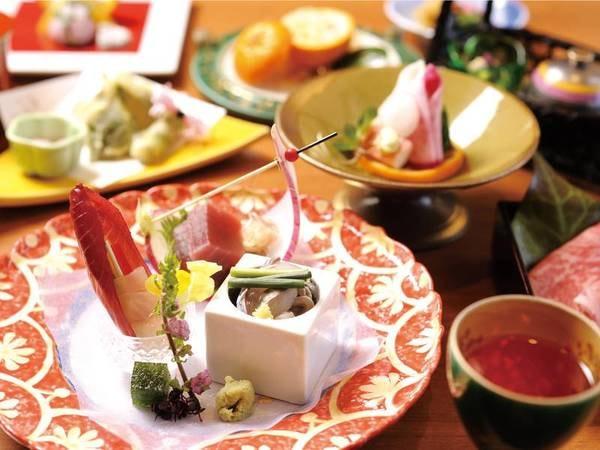 【夕食/例】逸品揃いのこだわり会席料理をお部屋食で楽しめる