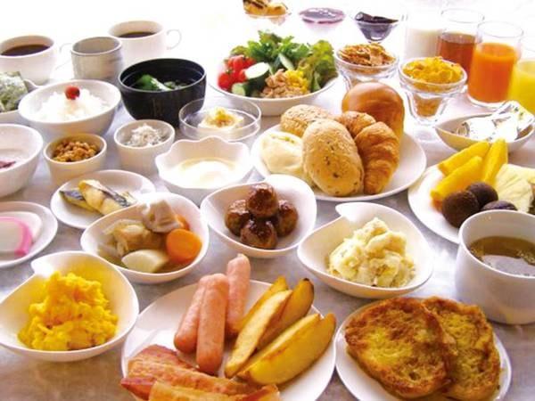 【朝食/例】量・質とも満足できる和洋バイキング