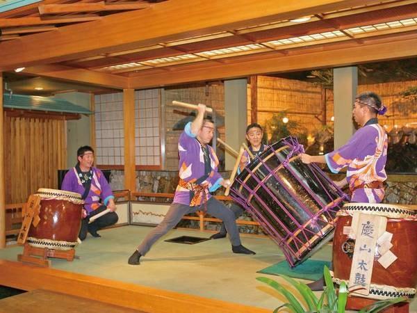 【太鼓ショー】慶山スタッフが迫力ある演奏を披露(中止の場合あり)