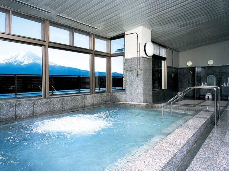 【展望大浴場】ゆったりと湯に浸りながら眺める富士山は絶景