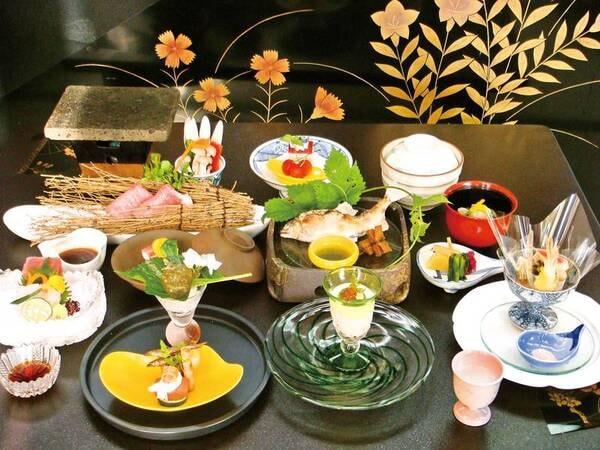 【夕食/例】国産和牛料理メイン、川魚塩焼など全11品の会席