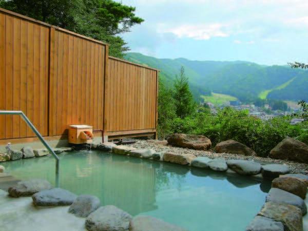 【展望露天風呂】野沢の温泉街を見下ろす絶景の展望露天風呂