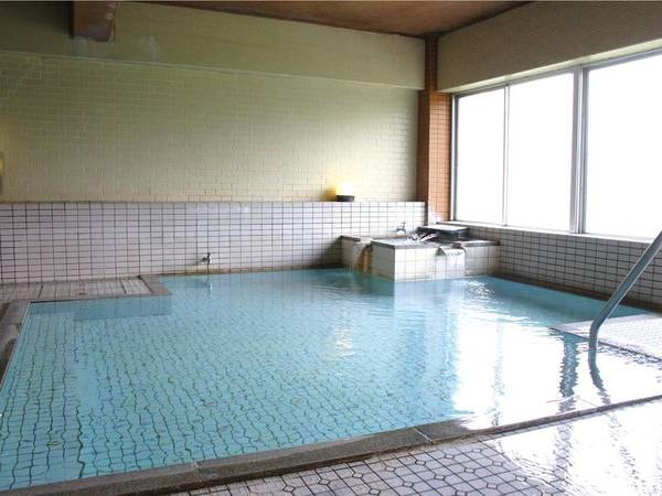 【木戸池温泉ホテル】志賀高原の大自然に囲まれた木戸池の一軒宿 豊富な自家源泉を誇る浴場で旅の疲れを癒して