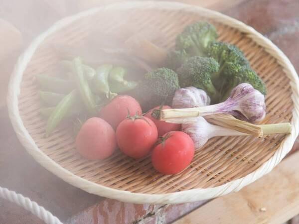 *【蒸し野菜】蒸気のチカラでふっくら!出来立てアツアツを召し上がれ♪