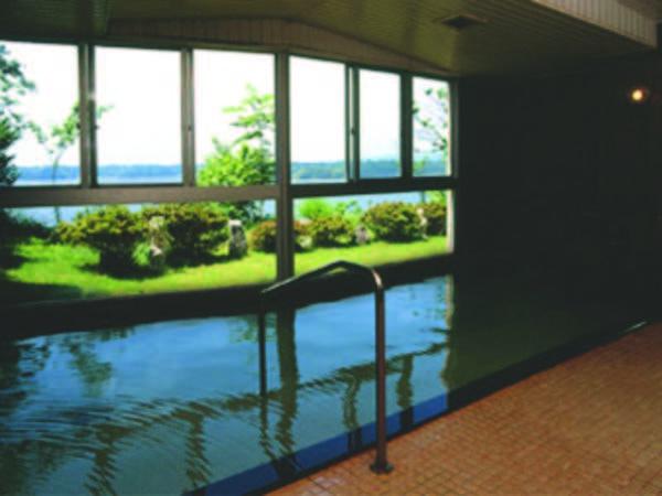 【夕日と湖の宿 あおきや】全客室より加茂湖、佐渡山脈を眺望! 温泉、海の幸、佐渡島を大満喫できる宿