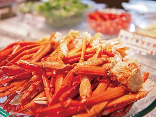 【夕食バイキング/例】ずわい蟹など人気料理充実