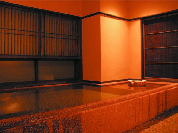 【割烹の宿 櫻家】JR弥彦駅から徒歩約1分!弥彦神社の杜に抱かれた、料理自慢の湯宿。