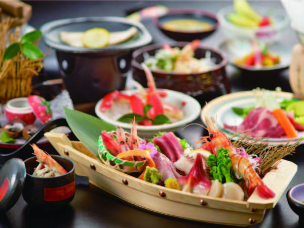 【ミニ舟盛り付!彩り海鮮会席/例】おひとり様ごとに新鮮魚介のミニ舟盛りをご用意