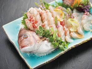 【館内のいけすからさばく】1匹丸ごと鯛のお造り/例 ※写真はイメージです