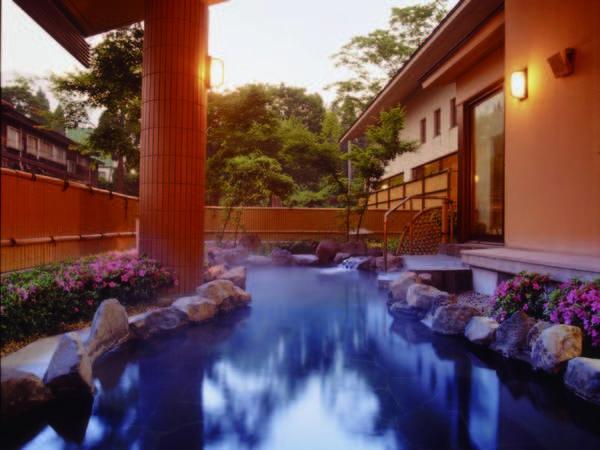 【赤倉ホテル】一室合計100歳以上で8,980円~ !多彩な湯殿で館内湯めぐりと越後の味覚を楽しむ