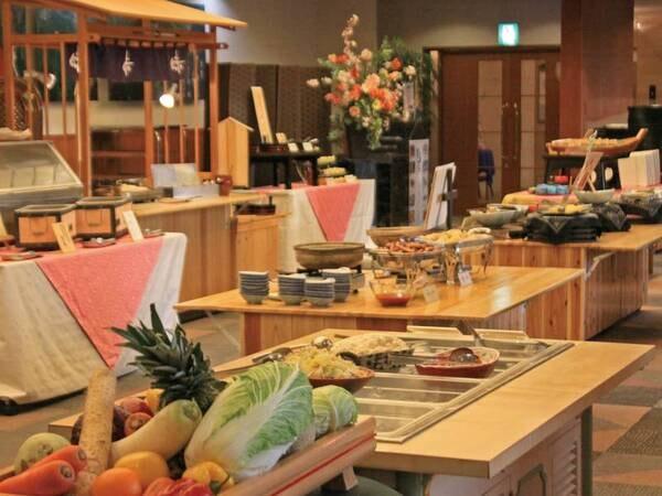 【朝食/例】和食中心のバイキング!富山の海の幸や名産品もお楽しみいただけます