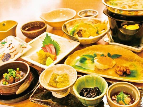 【季節会席/例】ゆこゆこ限定!夕食は季節に合わせた会席料理をいただける