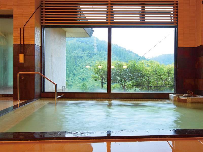 【大浴場】鳥越の湯として親しまれ、この湯を目的に来られるお客様も多い