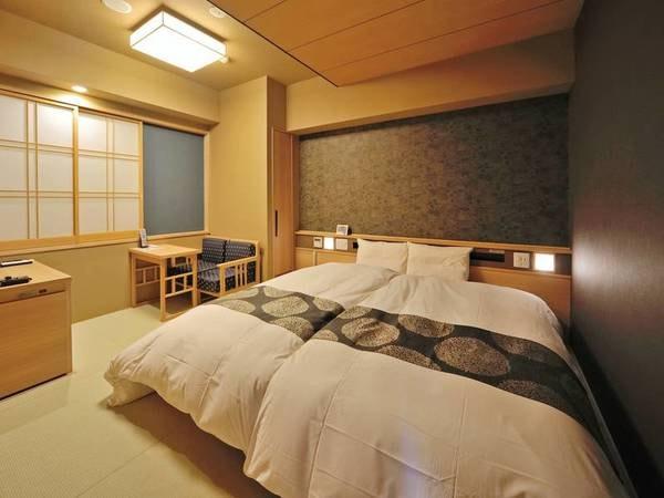 【20㎡ハリウッドツイン/例】100cm×195cmのベッド2台を並べた天然温泉檜風呂付の客室