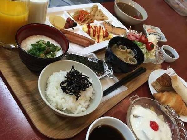 朝食:6:30~9:00まで・和洋のバイキング/一例