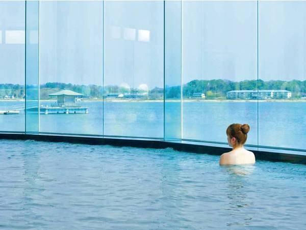 【湖畔の宿 森本】柴山潟のほとりに佇む宿。「パノラマ大浴場」で湖と白山連峰の絶景を眺めながら天然温泉を楽しむ!