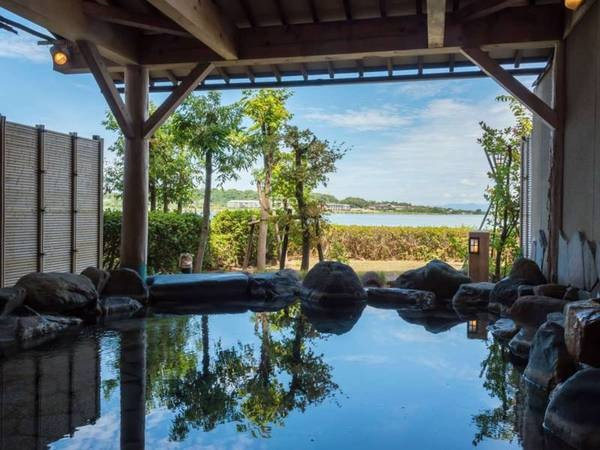 【加賀 八汐】白山連峰を望む柴山潟湖畔に佇む、全室から湖一望の人気宿。