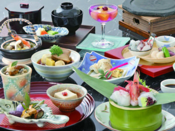 【厳選加賀会席/例】旬の食材を活かした季節替りの会席をご用意!