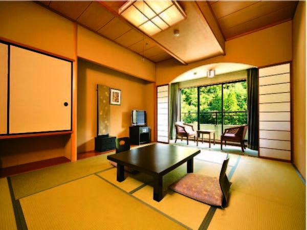 鶴仙渓側の広々とした10畳和室(一例)