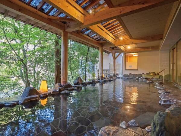 【白鷺湯 たわらや】【ゆこ得!オトクなプランを販売中】名勝・鶴仙渓の中心に位置し温泉街も近く好立地。絶景の露天風呂で湯量豊富な温泉を愉しめる人気老舗宿