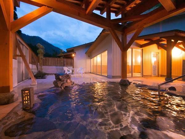 【ホテルフレアール和泉】九頭竜川の流れと山々に抱かれた自然の中のホテル。1分間に280リットルの豊富な自噴源泉は美肌効果抜群
