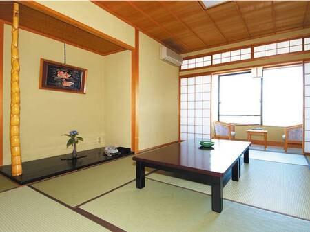 【和室/例】芦原の景色を望む寛ぎの和室
