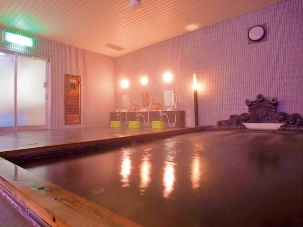 【4階 大浴場】ラジウム温泉は豊富なミネラルで湯冷めしにくい湯