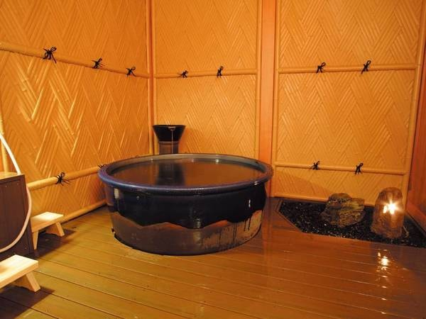 【1階貸切風呂/和の湯】個室の貸切露天も温泉が楽しめる