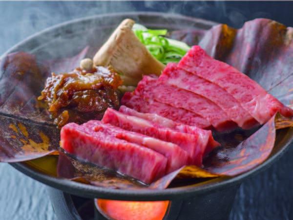 飛騨牛会席に飛騨牛の朴葉みそステーキを追加!お肉たっぷりプラン♪/写真例