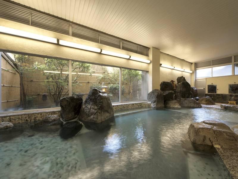 【大浴場】源泉100%かけ流し、まるで化粧水のようなとろとろ湯!