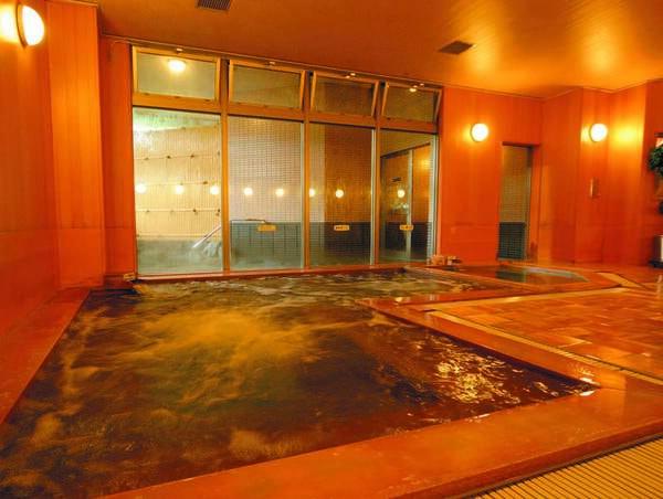 【館内大浴場/檜風呂】とろみのある柔らかな泉質