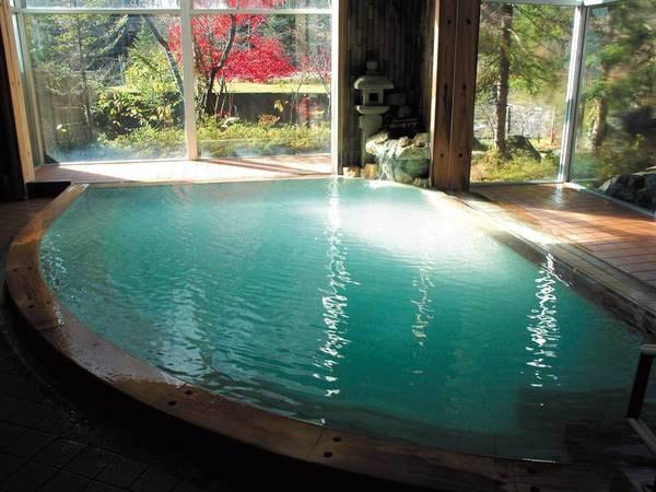 【大浴場】心ゆくまでかけ流しの湯を愉しむ