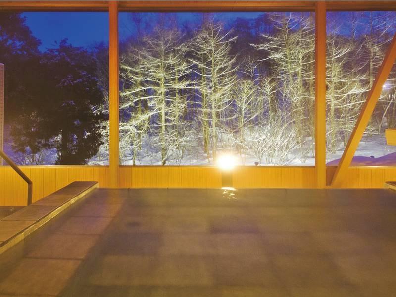 【展望露天風呂-冬-】全国でも希少な自家源泉かけ流し100%。季節のメロディを聞きながらお楽しみ下さい!