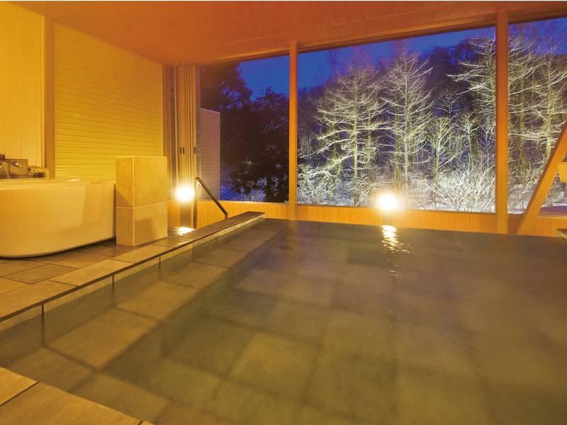 【展望露天風呂-冬-】源泉100%かけ流しの天然温泉にゆったりと♪湯上り後もポカポカが続きます♪